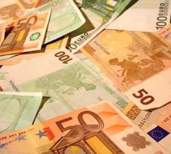 Schimb valutar si bani falsi !