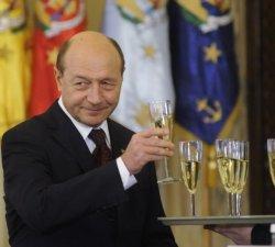 Traian Basescu se revigoreaza politic