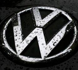 Mentine masina curata cu seturile de covorase Auto VW